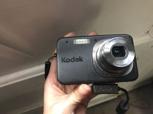 Kodak 10 MP Digital Camera with carrying case for Sale in Denver, CO
