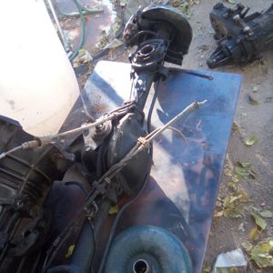 Jeep Cherokee Transnrear And Transfer case It's A Dana Rear End for Sale in Victorville, CA
