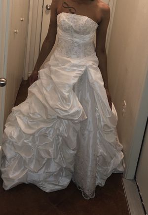 White Wedding/Banquet Dress for Sale in Killeen, TX