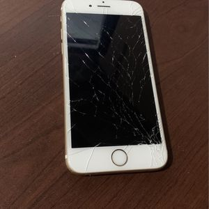 iPhone 6S- 16Gb Cracked Screen for Sale in Riverside, CA