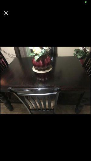 Dinette Set. Seats 6 for Sale in Peoria, IL
