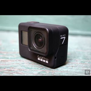 GoPro Hero 7 Black Almost New for Sale in Stockton, CA