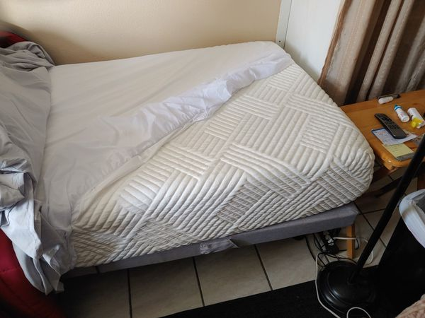 Structures adjustable bed