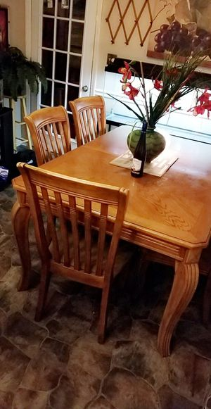 Table with 6 chairs no broken for Sale in Raleigh, NC