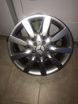 Used 2007 Mercedes S550 Factory rims. Used 2007 MGP brake dust covers front &rear. for Sale in District Heights, MD