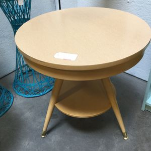 """Mid-century modern MCM Mersman two-tier table 24""""D for Sale in Goodyear, AZ"""