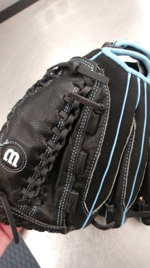 Wilson Softball Glove for Sale in Friendswood, TX