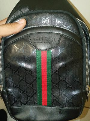 Gucci messenger bag authentic! for Sale in Mason, OH