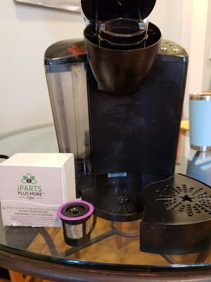 Almost brand new KEURIG with reusable k-cups! for Sale in Baltimore, MD