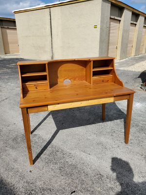 """Solid Wood Desk that's in very good condition! Dimensions: 51""""L x 29""""Dx 42""""H for Sale in Delray Beach, FL"""