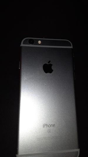 I phone 6s good condition nothing wrong got charger no cracks on screen unlocked for any carrier for Sale in Columbus, OH