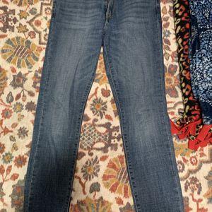 Levi's 711 Skinny Jeans Size 8/29 for Sale in Alexandria, VA