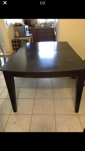 FREE Table with leaf extension!! for Sale in Fort Lauderdale, FL