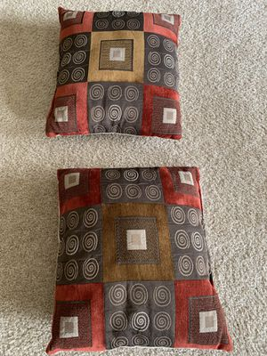 Set of couch pillows for Sale in Chapel Hill, NC