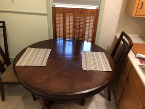 Dining Table for Sale in Quincy, IL