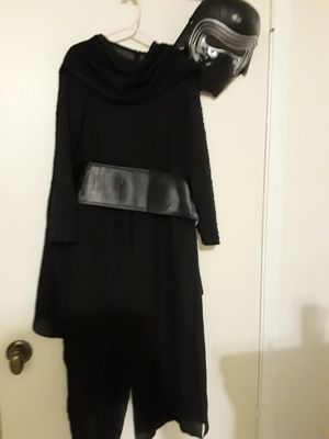 Star wars Rubies costumes, Kylo Ren costume. Size small (6/7). With light up lightsaber. for Sale in Largo, FL