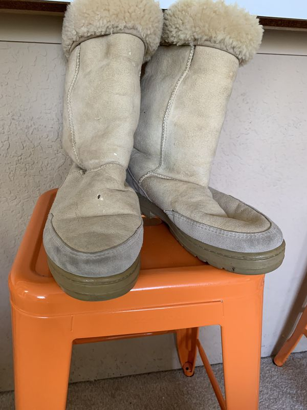 Used Uggs size 10.5