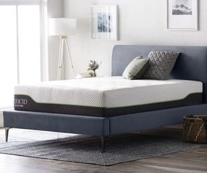 LUCID 12 Inch Queen Hybrid Mattress for Sale in Worthington, OH