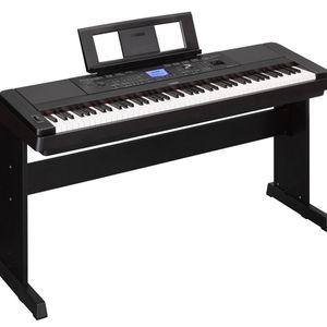 Yamaha DGX-660 88-Key Portable Grand Piano Black for Sale in Woodstock, GA