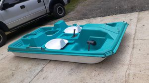 10 ft Paddle Boat / pond baot fishing boat for Sale in Sugar Hill, GA