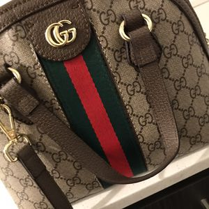 New Season Gucci Cross Body for Sale in Columbus, OH