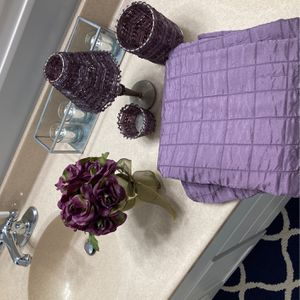 Purple Shower Curtain and Room/ Bathroom Decor for Sale in Orange, CA