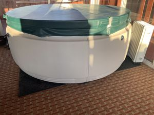 Hot tub for Sale in Akron, OH