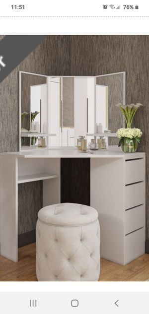 Reversible makeup make vanity table with mirror made in Europe for Sale in Miramar, FL