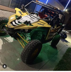 Yamaha YXZ1000r for Sale in Los Angeles, CA