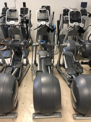 Precor c556i elliptical with moving arms for Sale in Arlington, WA