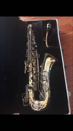 Alto Saxophone for Sale in Dearborn Heights, MI