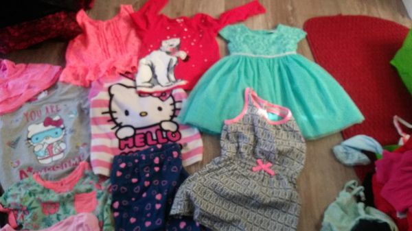 Selling kids clothes 4T