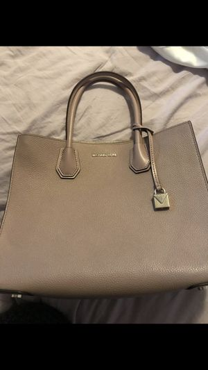Michael Kors tote for Sale in Oregon City, OR