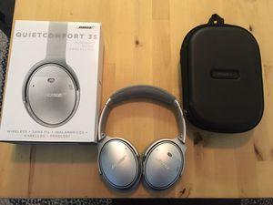 Bose QC35 Wireless & Noise cancelling headphones and JBL Flip 4 Wireless Speaker for Sale in Houston, TX