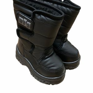 INFANT SNOWJOGGER BOOTS 5-7 for Sale in Templeton, CA
