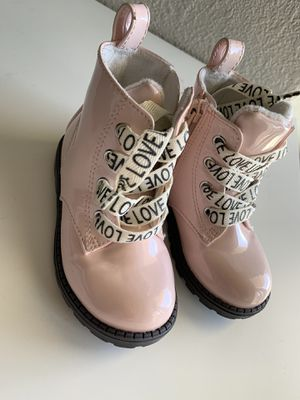 Toddler Girl boots * size 6.5 * for Sale in Las Vegas, NV