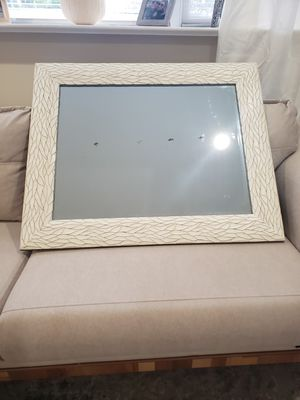 Wall Mirror with scratches for Sale in River Edge, NJ
