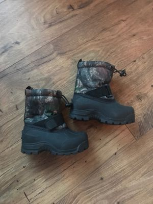 Snow boots for Sale in Puyallup, WA