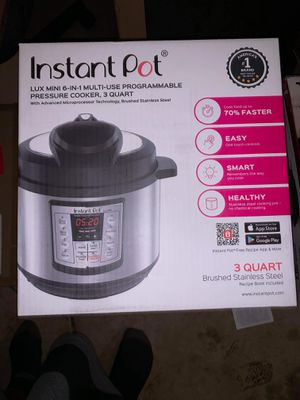 3 quart mini instant pot for Sale in Charlotte, NC