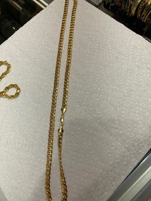 Real Gold cuban chain 10k for Sale in Chicago, IL