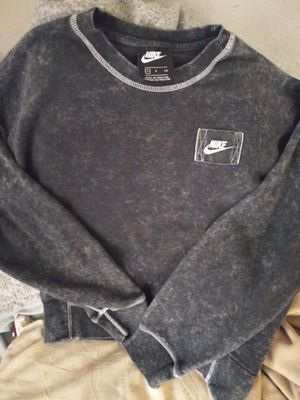 Size small nike sweater worn once for Sale in Tulsa, OK