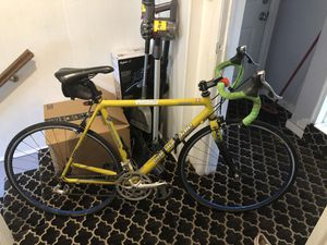 Cannondale R800 Road bike for Sale in Woodmere, NY