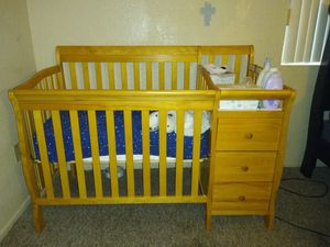 Crib with changing table for Sale in Stanton, CA