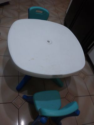 Kids table set with two chairs for Sale in LAUD LAKES, FL