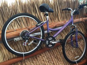 Almost new bicycle 1 month of use Bicicletas casi nuevas 1 mes de uso for Sale in Hialeah, FL