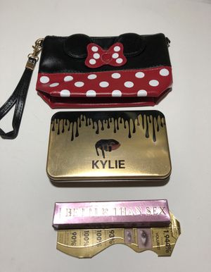 """Minnie Mouse Makeup Bag / Clutch, Makeup Brush Set & Too Faced """"Better Than Sex"""" Mascara for Sale in Fall River, MA"""