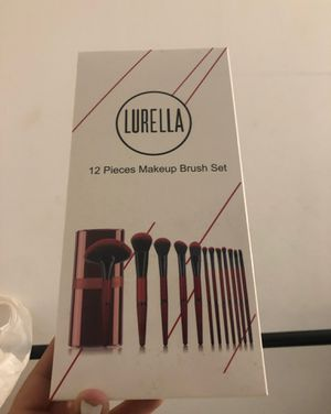 Laurel la make up brush set travel for Sale in Brea, CA