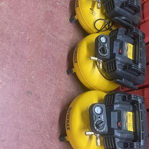 Dewalt 6gallon Compressors for Sale in Dallas, TX