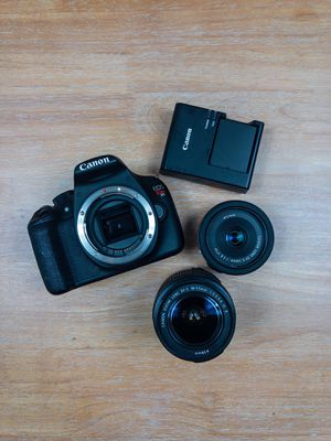 Canon T5 Body/ Kit lenses with Canon ES 24mm for Sale in New Haven, CT