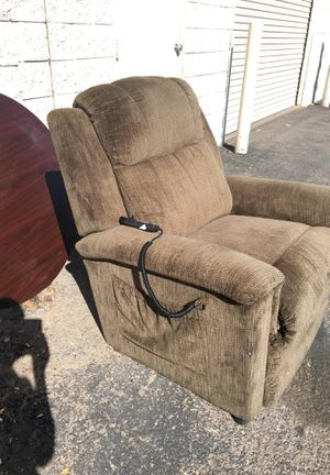 FREE La Z Boy Brown Chair Great Condition for Sale in Tempe, AZ